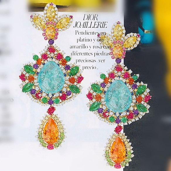 Brincos coloridos da Dior