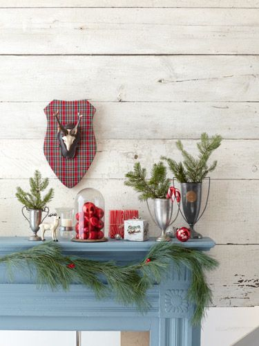 CLX-holiday-decorating-mantle-1212-lgn