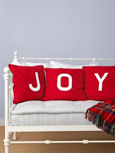 CLX-joy-pillow-lgn