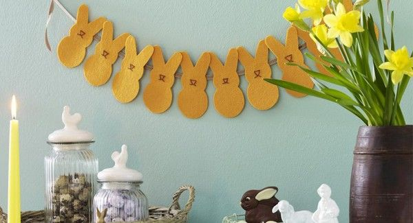 free-printables-easter-fabric-bunny-garlands-wall-decoration-600x325